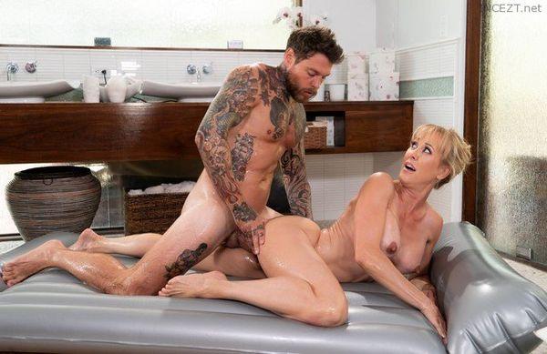 Big Booty Faye Reagan Cock Sucking