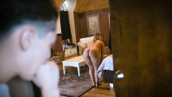 CANDICE DARE – GOODNIGHT POON HD [Untouched 1080p]