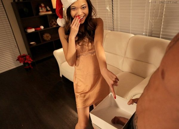 Vina Sky – Christmas Dick In A Box HD [Untouched 1080p]