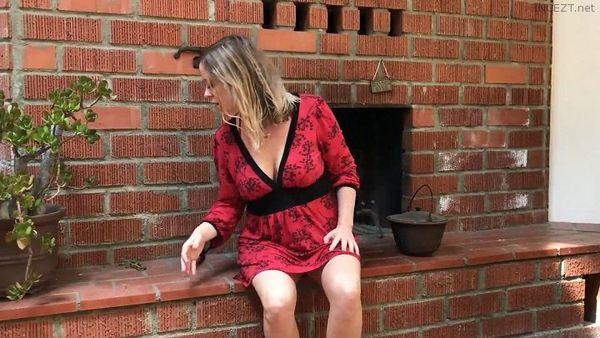 Erin Electra – Mom Gets Stuck In The Fireplace HD
