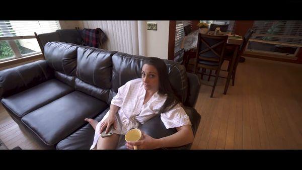 Melanie Hicks – Mom Keeps Getting The Wrong Room HD