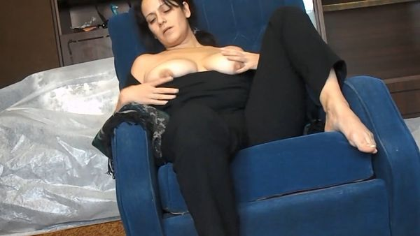 Deria – MORE Amateur Mother, Aunt and Wife Taboo Vids in HD