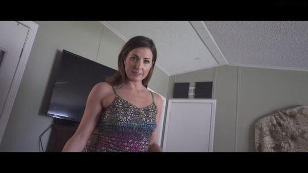 Helena Price – Mom Washes Hurt Son HD