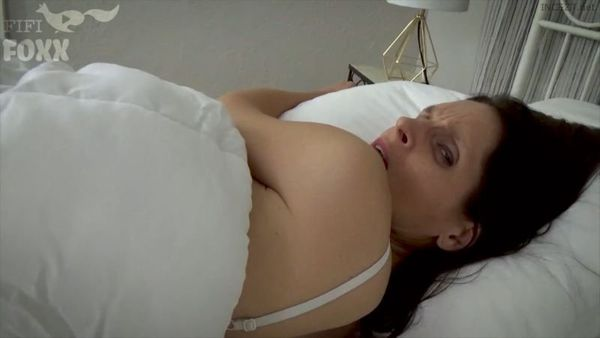 Christina Sapphire – Mom And Son Share A Bed HD