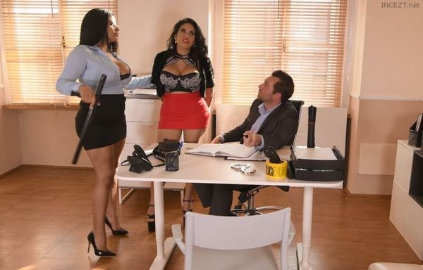 TWIN Sisters Sheila Ortega, Kesha Ortega – The Hardcore Interrogation HD