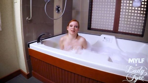 Lady Fyre – Ginger Bath Bomb HD