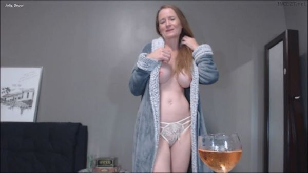 Julie Snow – That Time Your Mom Saw Your Bulge HD
