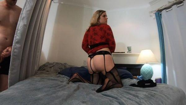Spying Son Caught While Masturbating – Erin Electra 4K