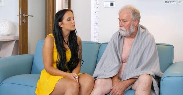 Jennifer Mendez Loves Her Grandpa HD [Untouched 1080p]