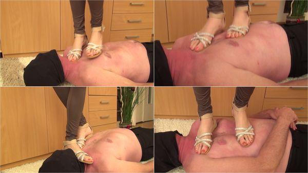 Hard Trampling In Sandals [FetishMania] Loren (1080p)