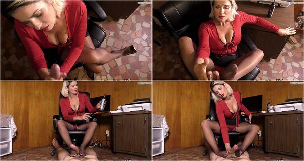 Office Strokes In Suntan Shiny Pantyhose [FetishMania] Madam Brandon (1080p)