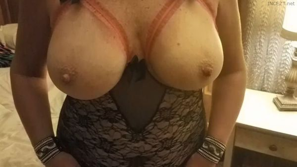 Hanna Destin Sexy MILF Fucking Young Son and his Friends Compilation HD