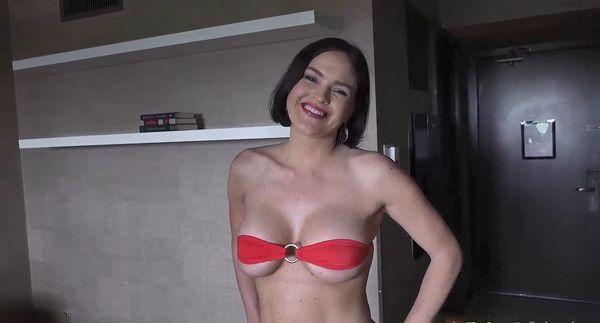 Krissy Lynn – New Video: Pool Party Stepmom HD