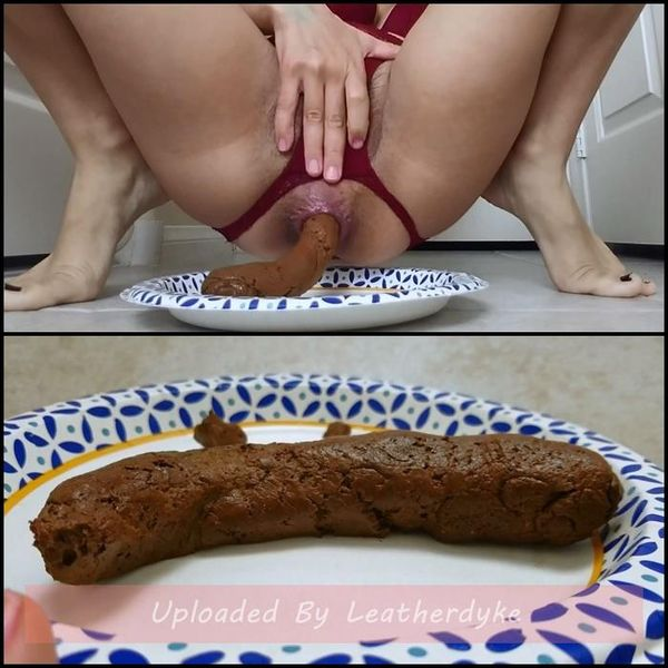 Perfectly Smooth Poop to Slide Down Your Throat with littlefuckslut | Full HD 1080p | Release Year: Sep 22, 2019