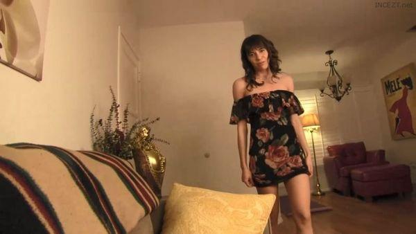 Horny Mom Needs Sons Honest Input – Vera King HD