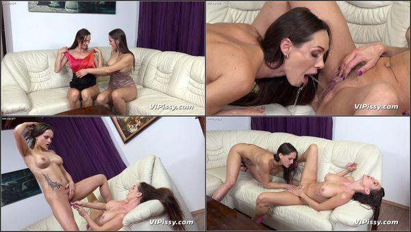 Bottoms Up - Cynthia Vellons - VIPissy