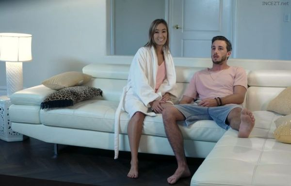 SCARY MOVIES MAKE HER HORNY – Christy Love HD [Untouched 1080p]