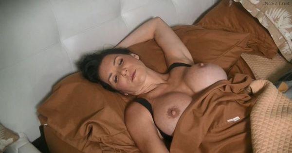 Butt3rflyforu – Rae Knight Amateur Family INCEST & CUCKOLD 15 More Vids in HD 1080p