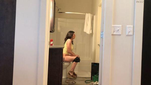 MOM CATCHES SON – Iamyetti HD