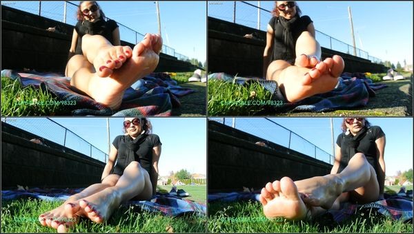 Oily Soles [Clips4Sale] Alejandrea (446 MB)