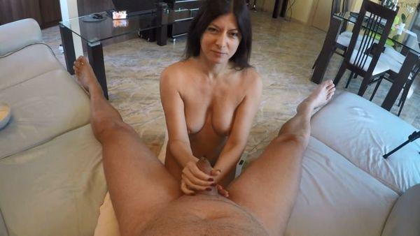 Moms Creamy Blowjob and G0lden Shower – Julia Jordan HD 1080p