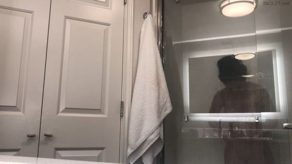 Caught Mom On My SpyCam in The Hotel Bathroom HD