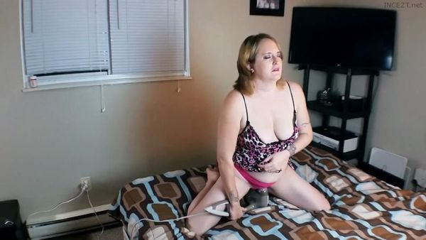 Son Caught MILF Mom Masturbating Gets Sloppy Blowjob Gives Her Facial HD 1080p