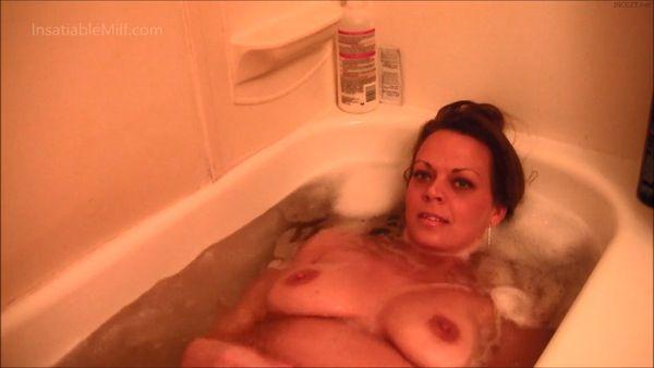 Mom's Bath Time – Diane Andrews HD