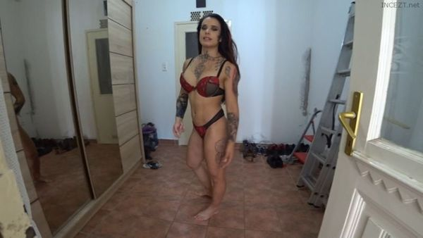 GymBabe – MUSCULAR MOTHER TABOO POV HD