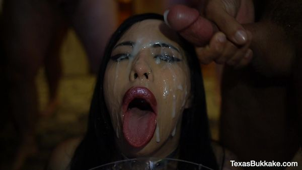 First Gangbang And Bukkake - Jasmin Dark - TexasBukkake (3 GB)