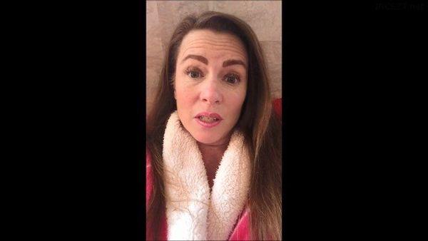 Mommy Fluffy Robe Play – Naughty Nevada HD 1080p