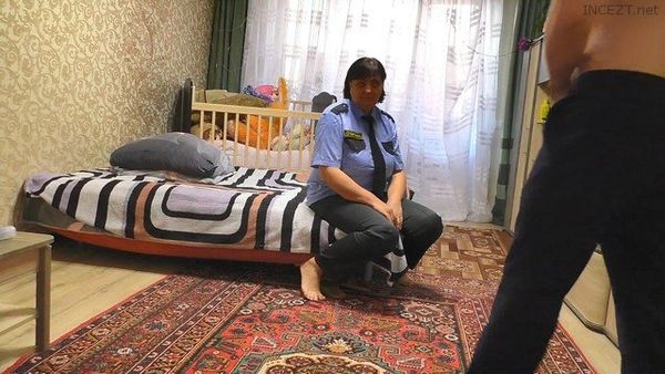 Police Mom Gives Her Ass To Son After Work – OlaMilash HD 1080p