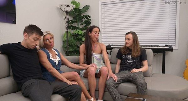 Mom Swap with Sofie Marie and Payton Hall 4k