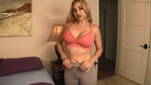 Caught Mom Cheating, Now She Wants Your Cock – Claudia Valentine HD