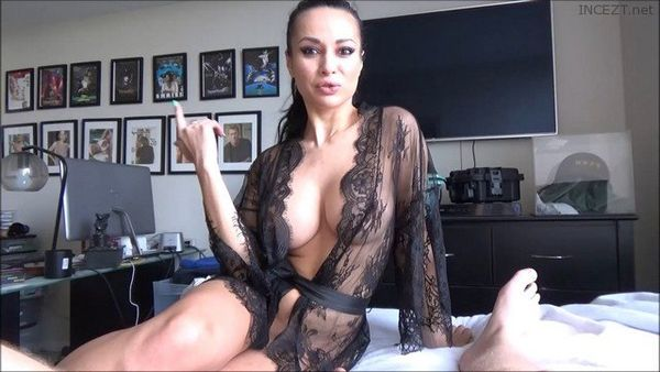 Big Breasted Mom Needs Attention – Crystal Rush HD 1080p