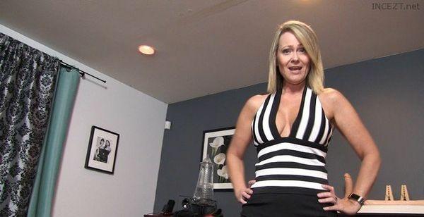 Mistress Kandy Junior's Toilet Life HD