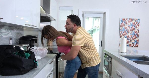 Giving Mom What She Wants – Havana Bleu 4k and 1080p