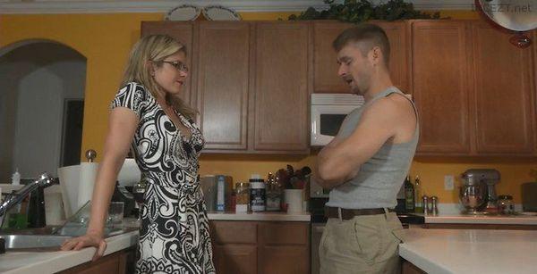 Horny Mom With Big Tits Has A Secret HD