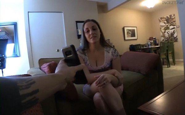 Melanie Hicks – Found Out My Mom Is An Escort HD 1080p 1.5 GB ORIGINAL File!