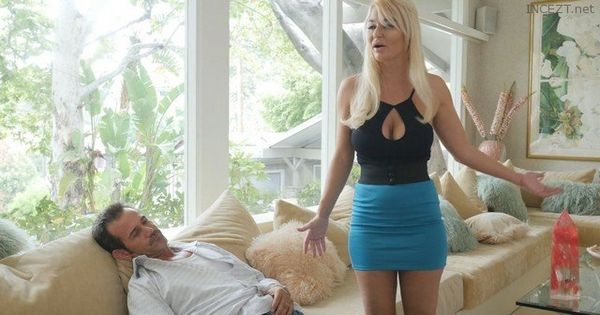 Busty Blonde Milf London River Fucks Her Hung Stepson Right In Front Of His Cuckold Dad HD [Untouched 1080p]