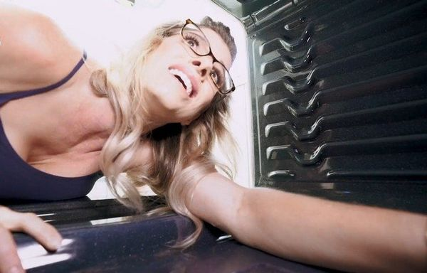 Cory Chase in Hot Mom Fucked in the Ass While Stuck in the Oven HD 1080p