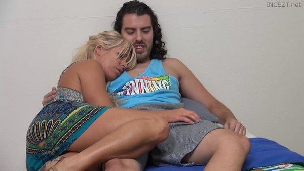 Gina West – Welcum Home Son – Mommie Really Missed You HD 1080p