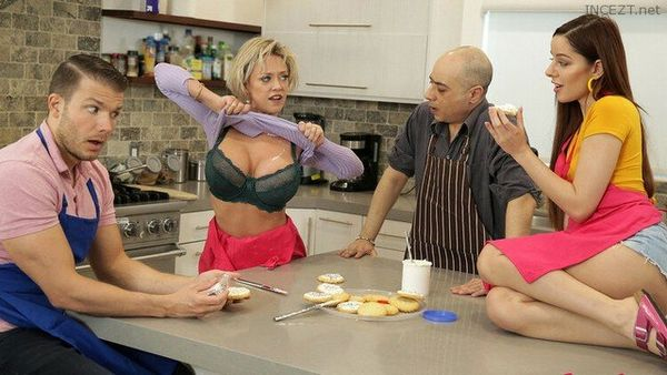 This Family Swap Sister – Dee Williams, Vanna Bardot HD [Untouched 1080p]