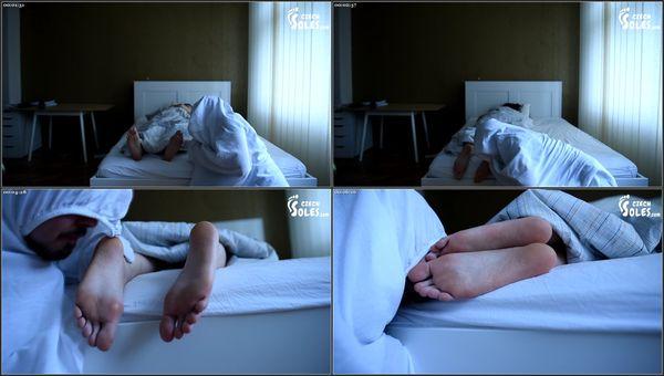 Goblin Lusts For Her Bare Feet [CzechSoles] Dita (297 MB)