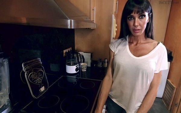 Sofia Star – Home With Mom HD [Untouched 1080p]