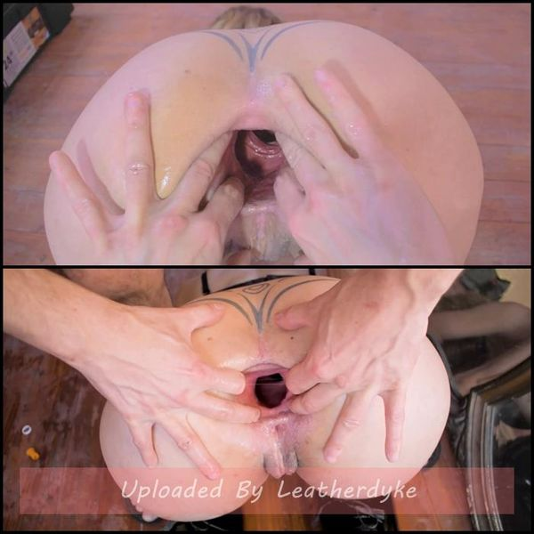 Taintacle deep fisting and gape tunnel