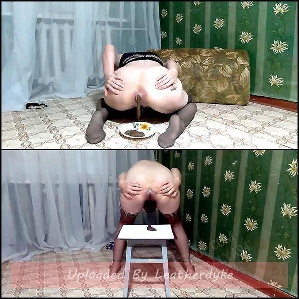 Olga mange de la merde et boit de l'urine - Olga lèche sa merde - Olga de la merde en collants en nylon